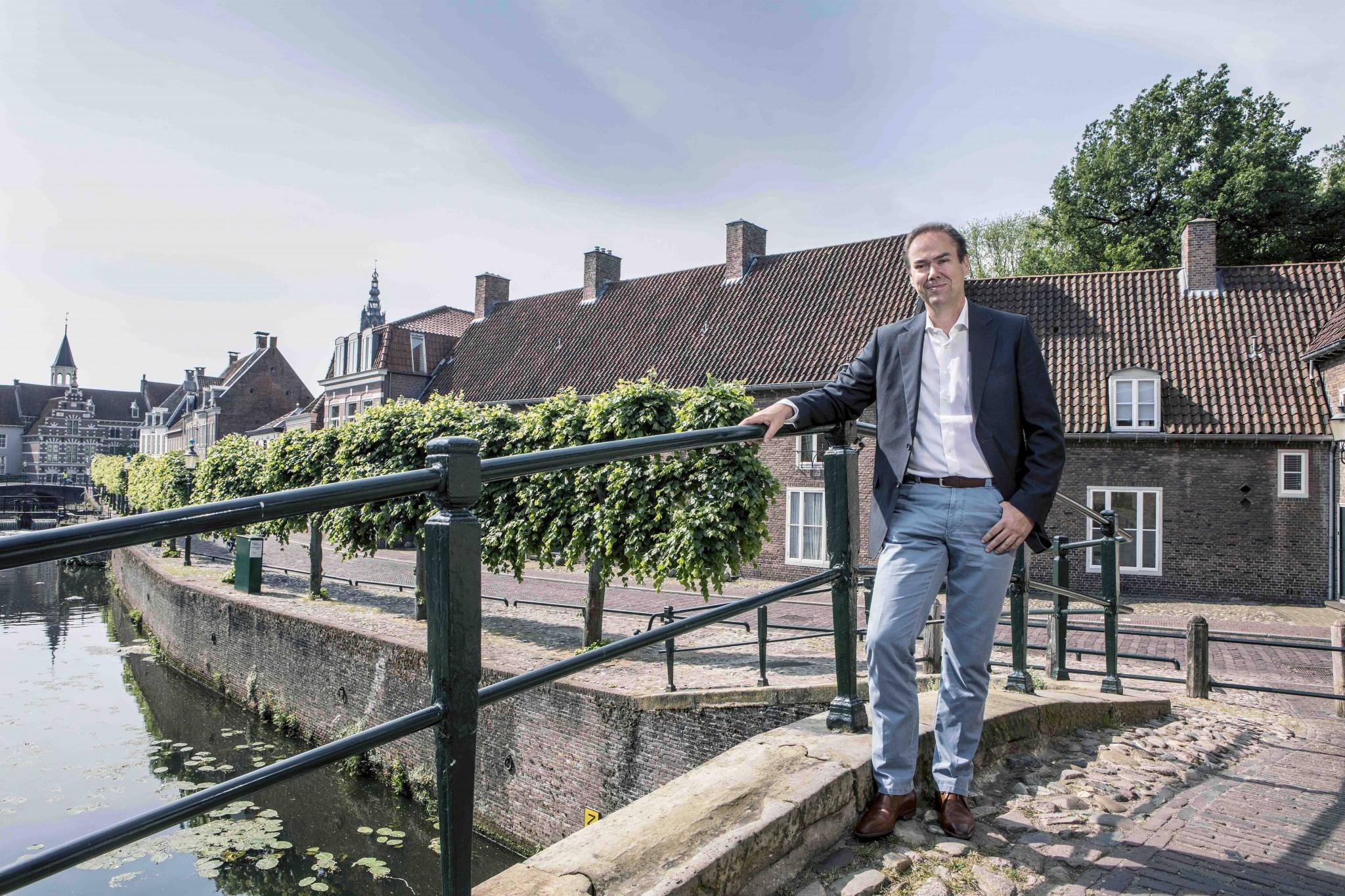 Willard de Vries